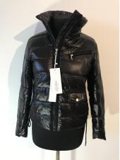 Демісезонні жіночі куртки S.XU оптом і роздріб - недорого