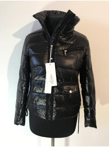 Демісезонні жіночі куртки S.XU оптом і роздріб недорого
