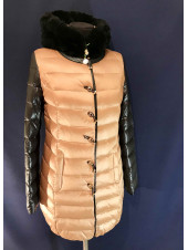 Куртка на пуху колір капучино, капюшон кролик VO TARUN з чорним рукавом