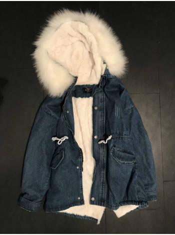 Купити жіночу джинсову куртку зі штучним хутром недорого Київ, Україна.
