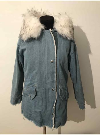 Джинсовая куртка с мехом женская купить в Киеве, Украине недорого.