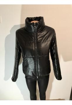 Куртка женская осень весна - черного цвета