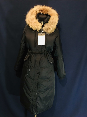 Магазин Куртка - Жіночі парки на холлофайбері з натуральним хутром, чорного кольору