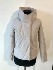 Куртки на весну QianYu 9069 белая