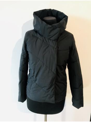 Женские куртки весна осень QianYu черного цвета
